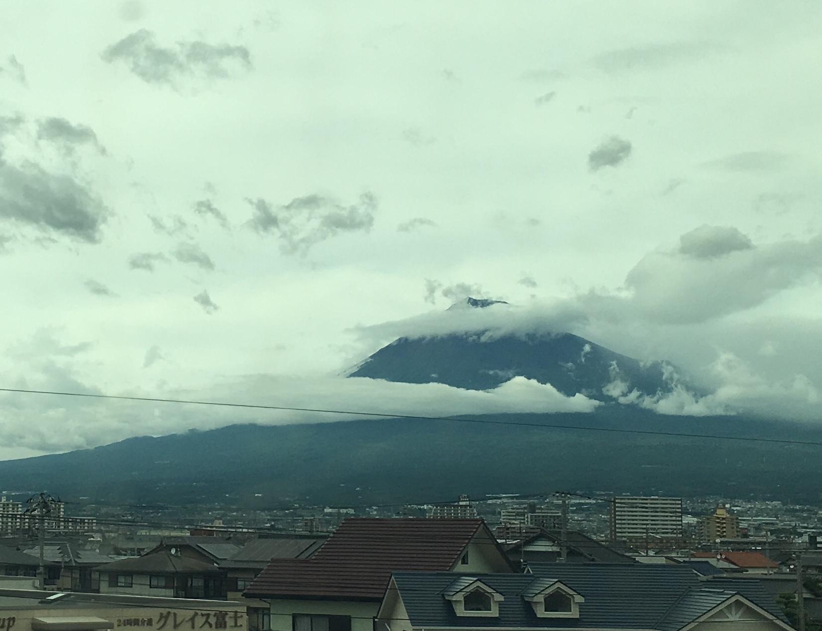 台風の富士