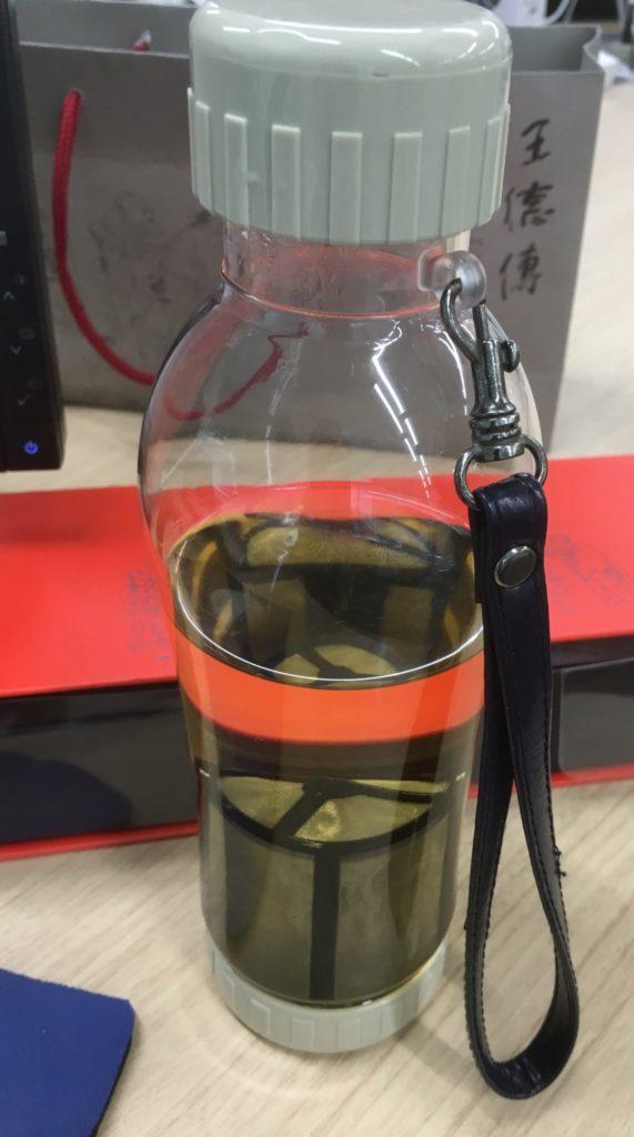 茶漉しボトル